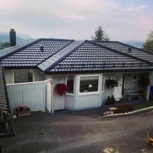 Skifte av tak, Haddal, Ulsteinvik august 2019